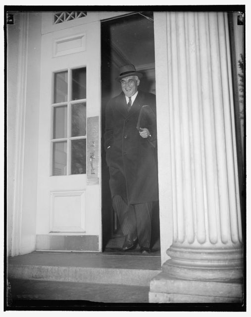 Social Security head in long conference with president. Washington, D.C., Nov. 16. Paul V. McNutt, Social Security Administrator, leaving the White House today after a conference with President Roosevelt at which they reviewed the social security structure. McNutt told reporters it would be unwise to predict what revisions might be requested or made in the next Congress