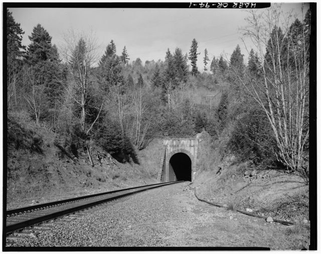 Southern Pacific Railroad Natron Cutoff, Tunnel 22, Milepost 581.85, Oakridge, Lane County, OR