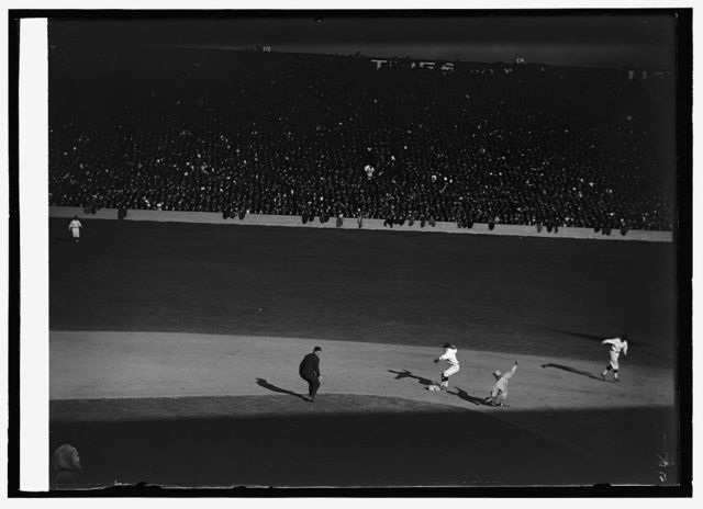 Southworth out at 2nd., World Series, 10/9/24