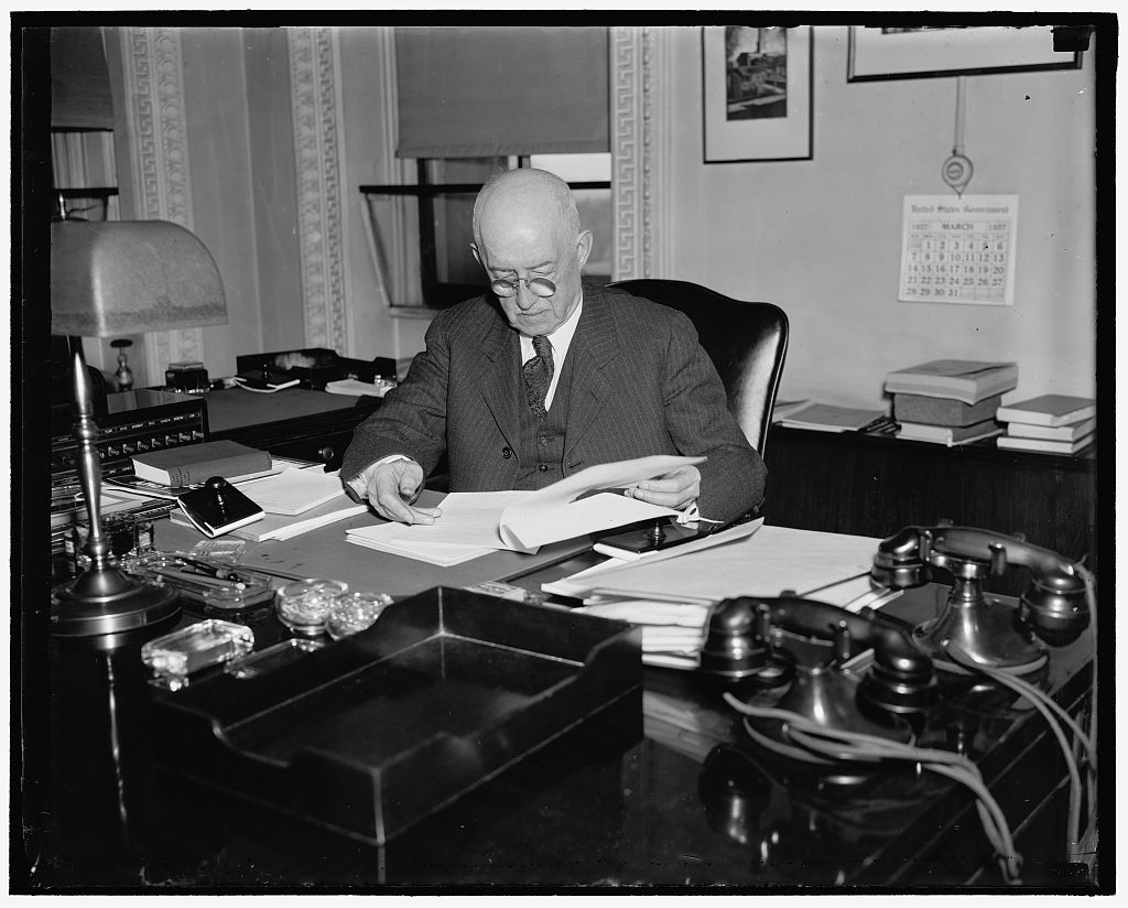 State Department Counselor. Washington, D.C., July 30. A new picture of R. Walton Moore, who was recently named to the newly created post of Counselor of the Department of State. He is one of the hardest working government officials, often working as long as 15 or 16 hours a day, 7/30/37