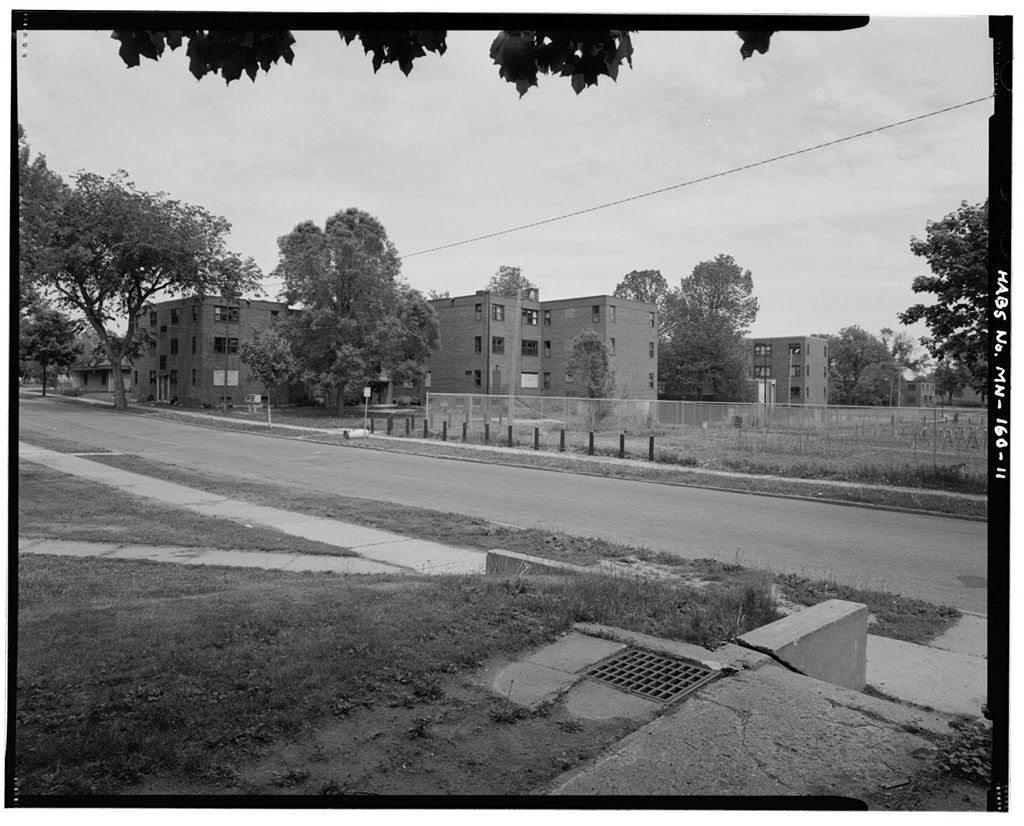 Sumner Field Homes, Bounded by Olson Memorial Highway on south, North Eleventh Avenue on north, North Emerson on west, & I-94 corridor on east, Minneapolis, Hennepin County, MN