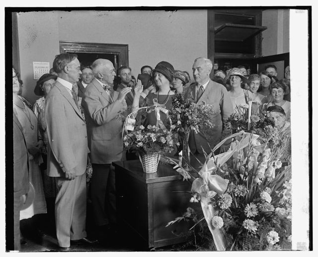 Swearing in of Miss Jessie Dell as Civil Service Com., 9/18/25