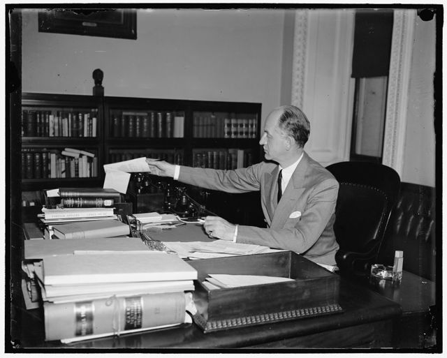 Undersecretary of State. Washington, D.C., July 30. A new and informal picture of Sumner Welles, Undersecretary of State, made in his office a few days ago. Welles, who was recently promoted to this post, is a career diplomat, 7/30/37