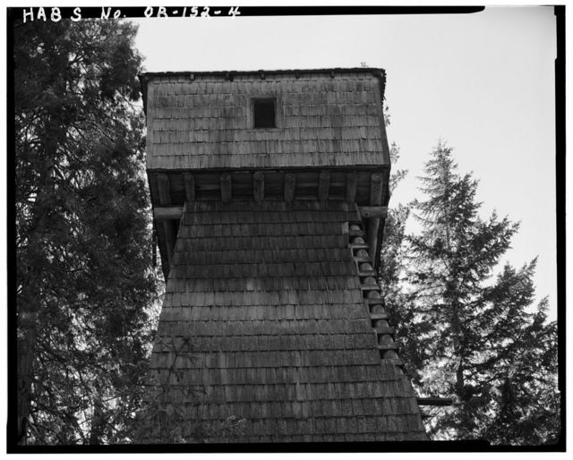 Union Creek Water Tower, West Side of State Highway 62, Prospect, Jackson County, OR