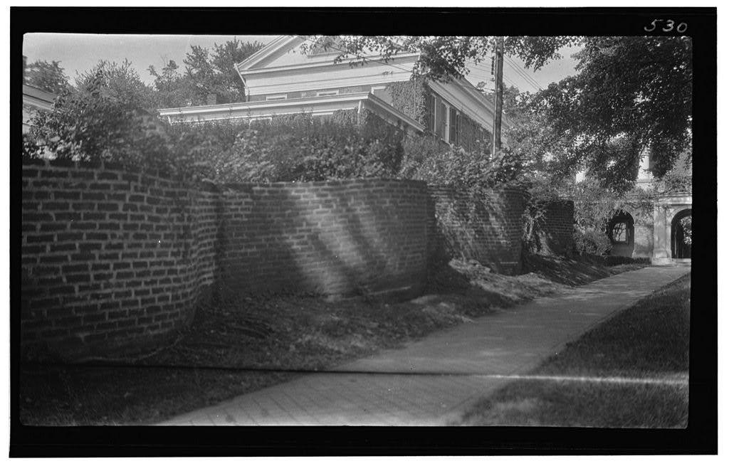 University of Virginia, Serpentine Wall, University Avenue & Rugby Road, Charlottesville, Charlottesville, VA