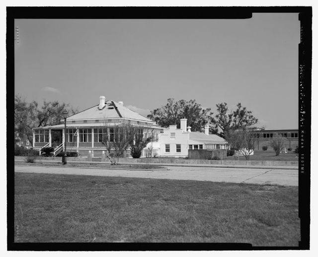 U.S. Naval Air Station, Captain's Quarters, Cistern, Q-8 North Avenue, Pensacola, Escambia County, FL