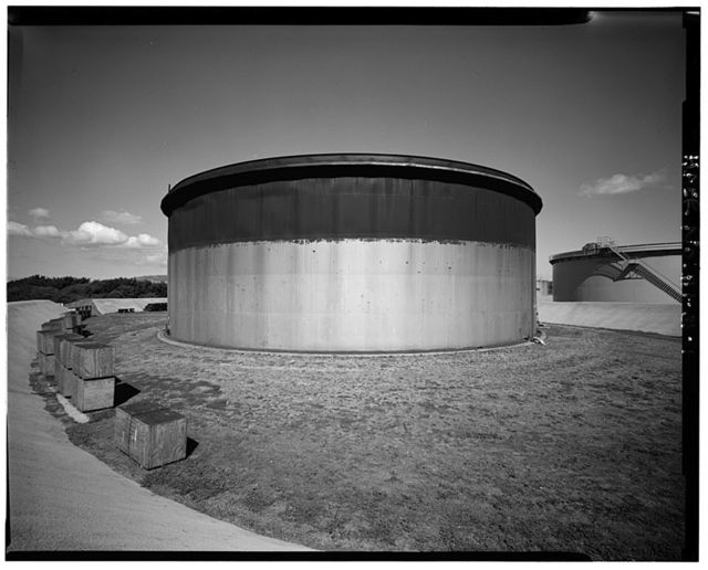 U.S. Naval Base, Pearl Harbor, Jet Engine Fuel Storage Tank, Lehua Avenue, Pearl City Peninsula, Pearl City, Honolulu County, HI