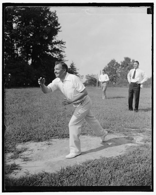 """U.S. Solicitor General pitches. Fort Hunt, VA. Sept. 8. U.S. Solicitor General Robert F. Jackson pitched for his team """"New Dealers"""" against the """"Purges"""" today at a picnic given here by the employees of the Solicitor General's Office of the Department of Justice, 9/8/38"""