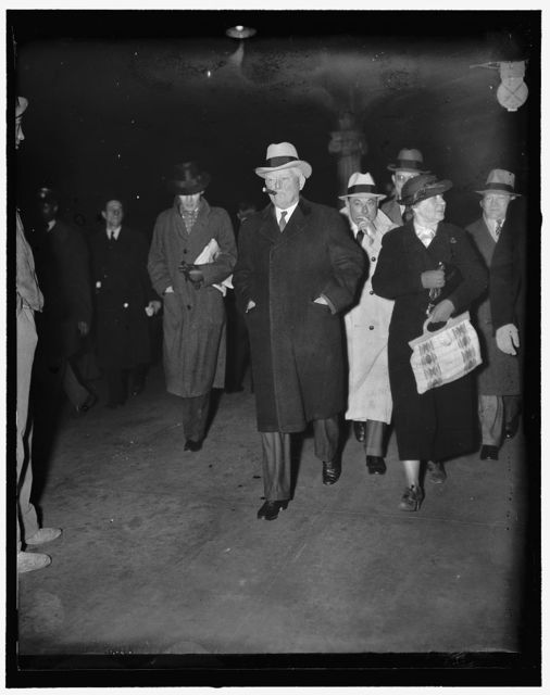 Vice President and Mrs. Garner arrive in Capitol. Washington, D.C., Nov. 30. Five weeks ahead of the opening of Congress January 5, the Vice President with Mrs. Garner arrived in Washington tonight from their home in Uvalde, Texas. Acknowledged an authority on taxes, Vice President Garner is expected to confer immediately with Chairman Harrison, Democract of Mississippi, on proposed revisions of Nation's revenue system. 11/30/36