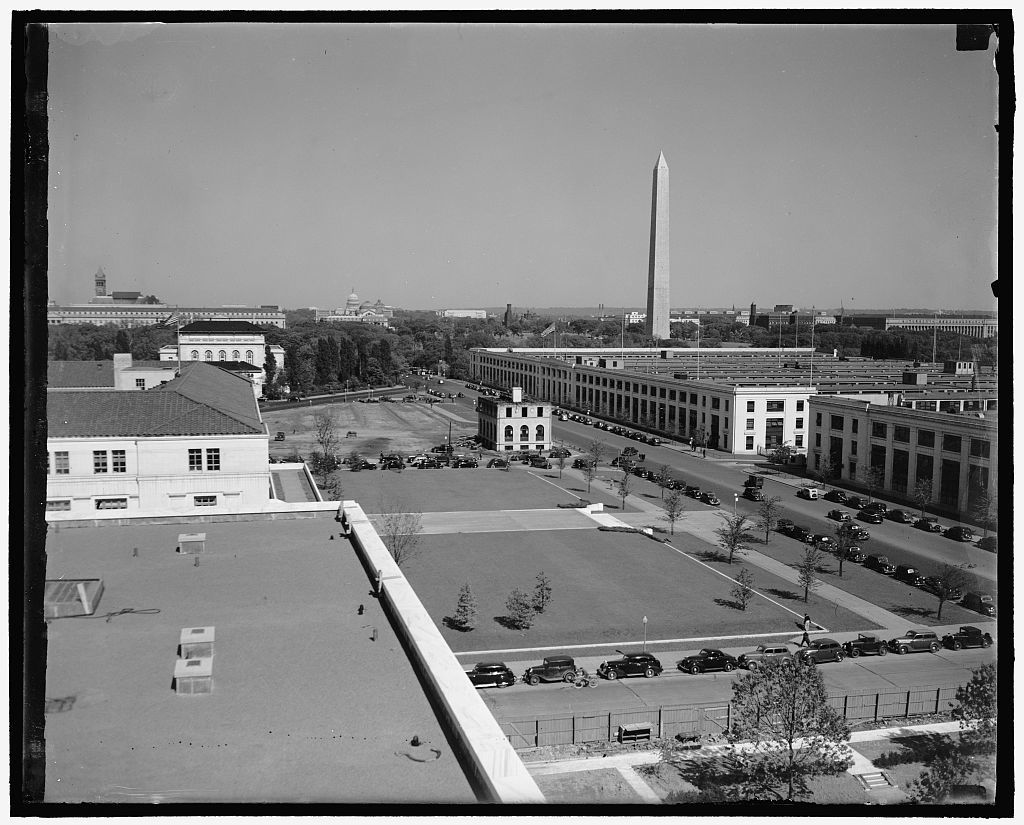 View from new Federal Reserve building. Washington, D.C., May 12. Members of the Federal Reserve Board will get this view form their offices in the new building which is now nearing completion. On the right can be seen the Capitol, Monument, Navy and Munitions building