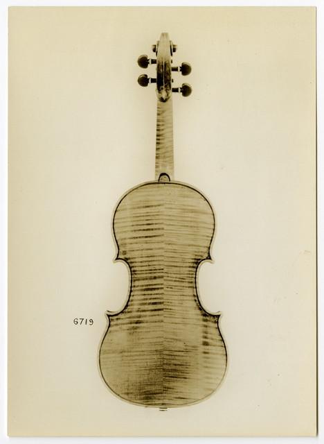 Violin, Antonio Stradivari, Cremona, 1698