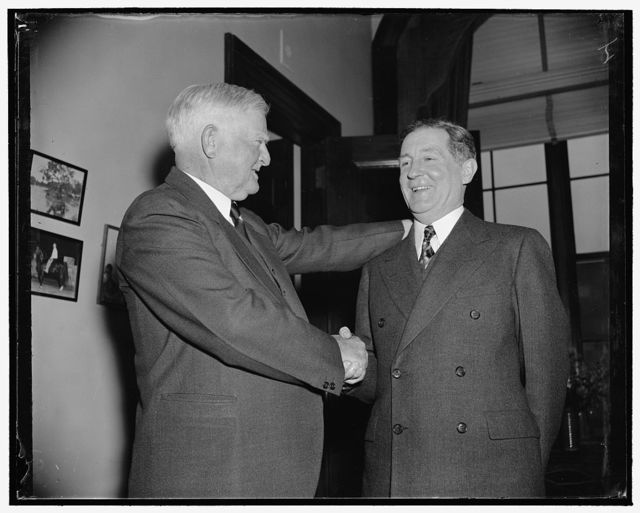 V.P. welcomes new Senator. Washington, D.C., Dec. 17. Returning to the Capitol today for the opening of Congress, Vice President John N. Garner greets Senator-Elect Sheridan Downey of California, who was one of the first callers, 12/17/38