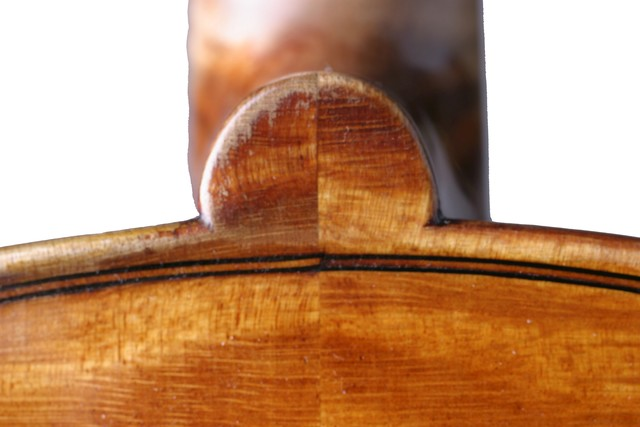 [ Vuillaume violin : back button]