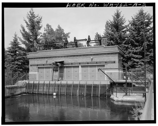 Washington Water Power Spokane River Upper Falls Hydroelectric Development, Gate House, Spokane River, approximately 0.5 mile northeast of intersection of Spokane Falls Boulevard & Post Street, Spokane, Spokane County, WA