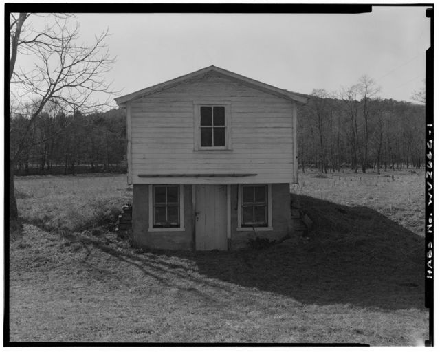 Wilkins Farm, Workshop-Storage Building, South side of Dove Hollow Road, 6000 feet east of State Route 259, Lost City, Hardy County, WV