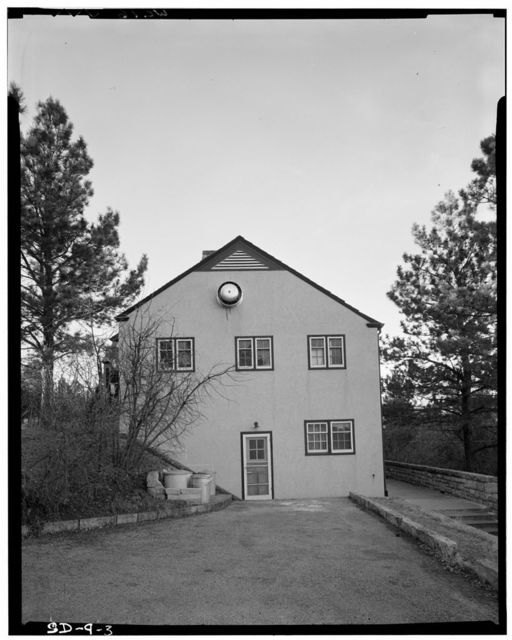 Wind Cave National Park, Administration & Operator's Building, Approximately 2.5 miles southeast of U.S. Route 385, Custer, Custer County, SD