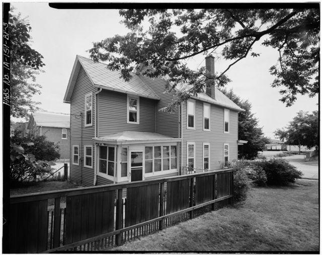 Workingmen's Houses, Nicholas M. Sutton House, 9 Locust Street, Dubuque, Dubuque County, IA