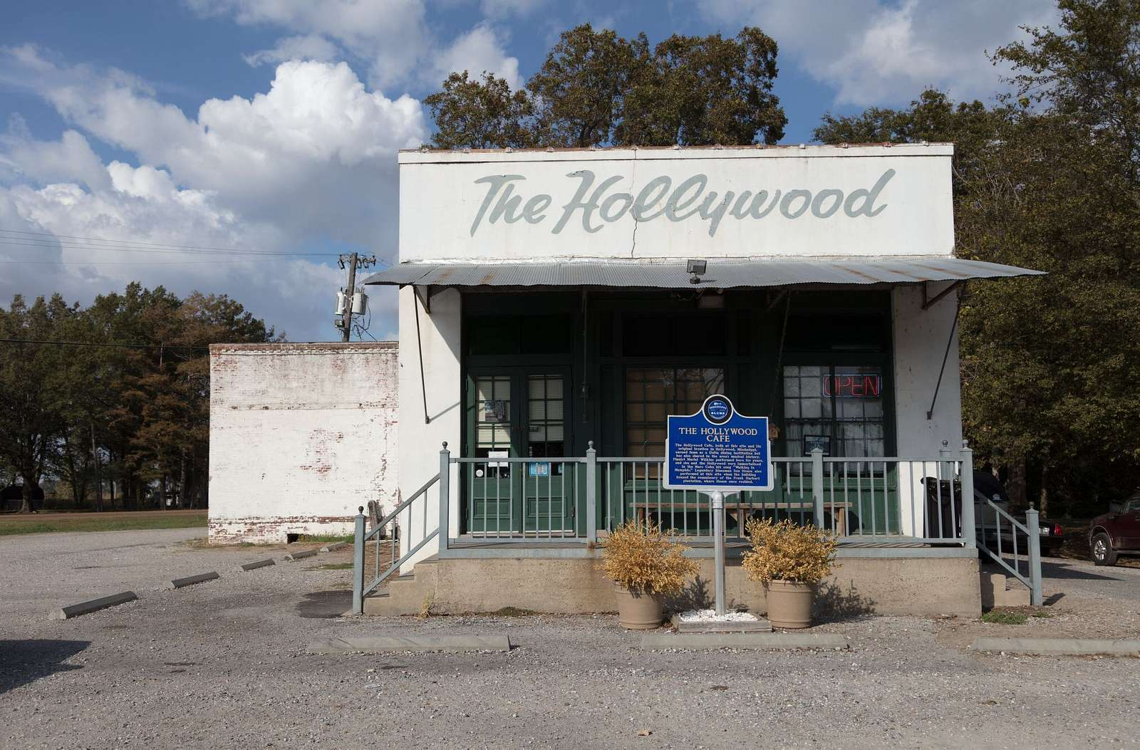 The Hollywood Cafe in Robinsonville, Mississippi, and its sister restaurant of the same name down the country roads of the area in tiny Hollywood, itself, are northern Mississippi institutions, both for their home cooking and for their music
