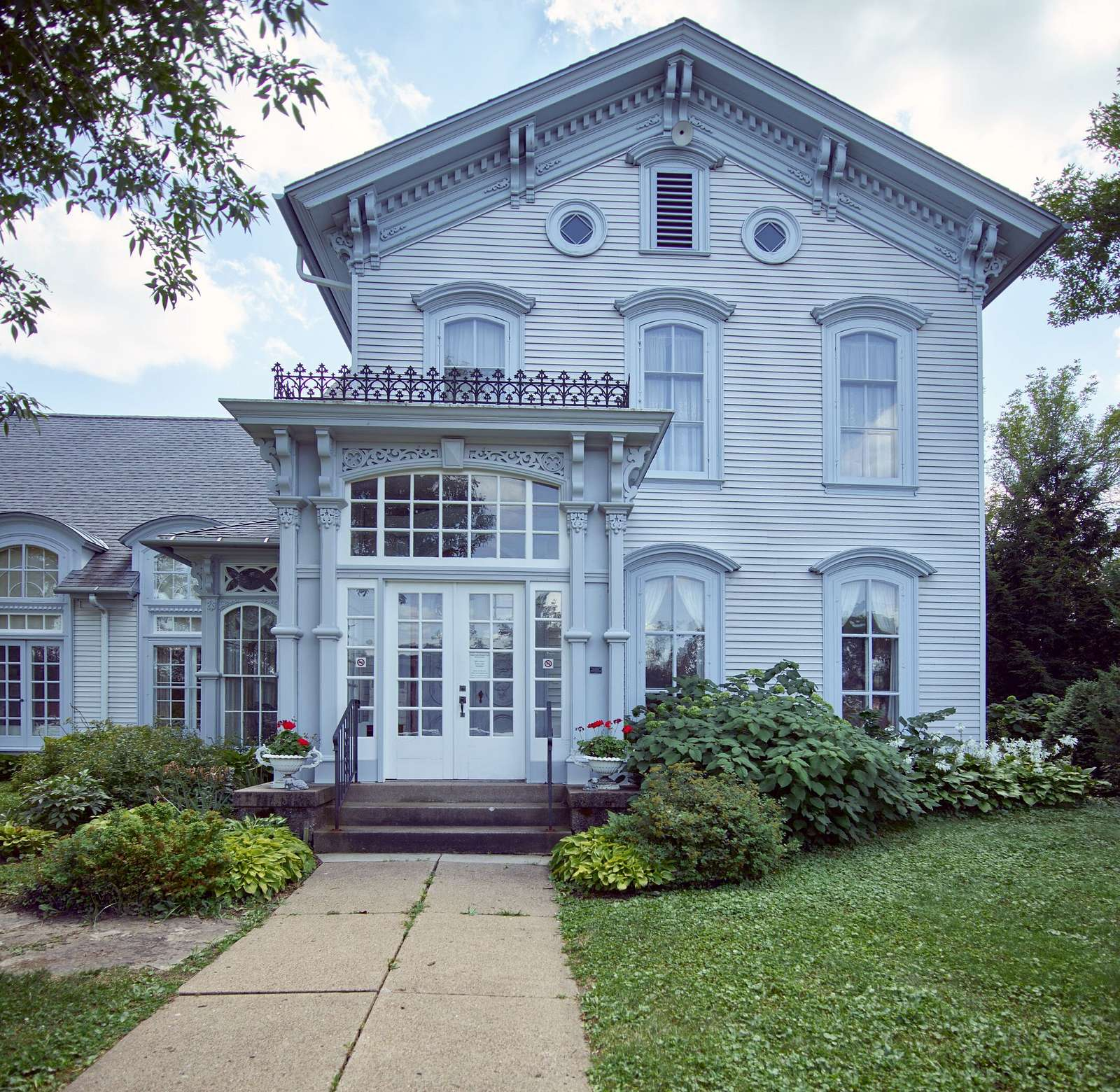 The stately home of the Cedar Falls Woman's Club in Cedar Falls, Iowa