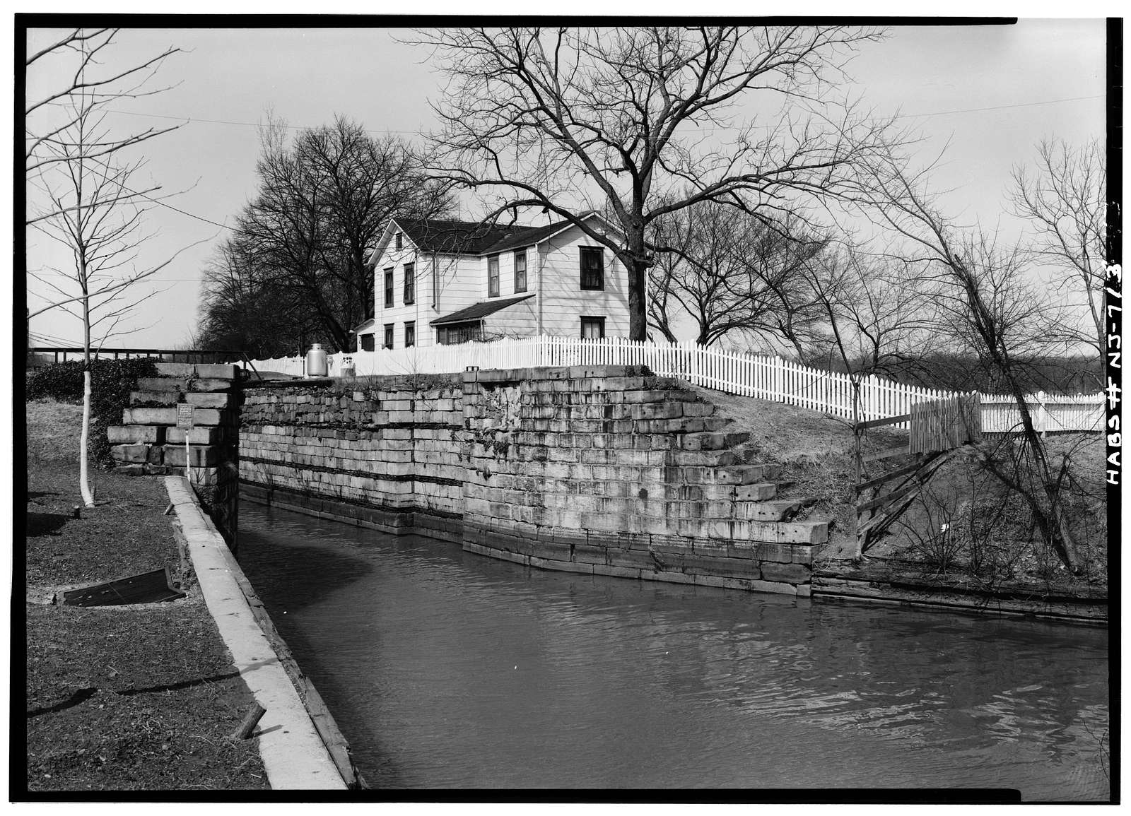 Delaware & Raritan Canal Lock, On Raritan River between George & Hamilton Streets, New Brunswick, Middlesex County, NJ