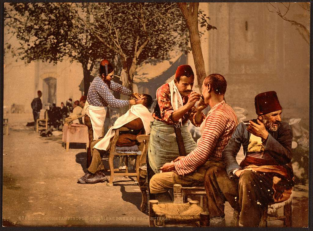 [Barbers near Seraskierrat (i.e., Seraskerat) Constantinople, Turkey]
