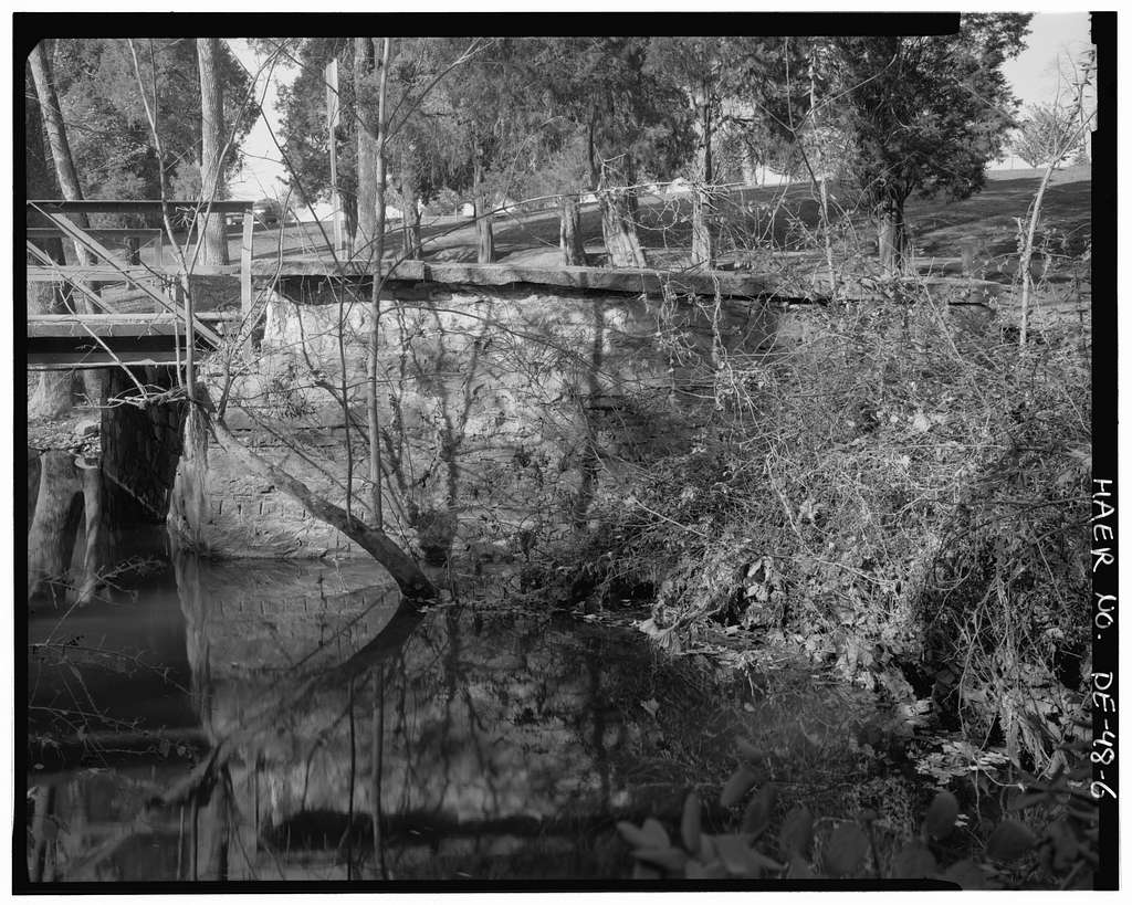 State Bridge No. 424, Wiggins Mill Road (Road 446) spanning Wiggins Mill Pond Outlet, Townsend, New Castle County, DE