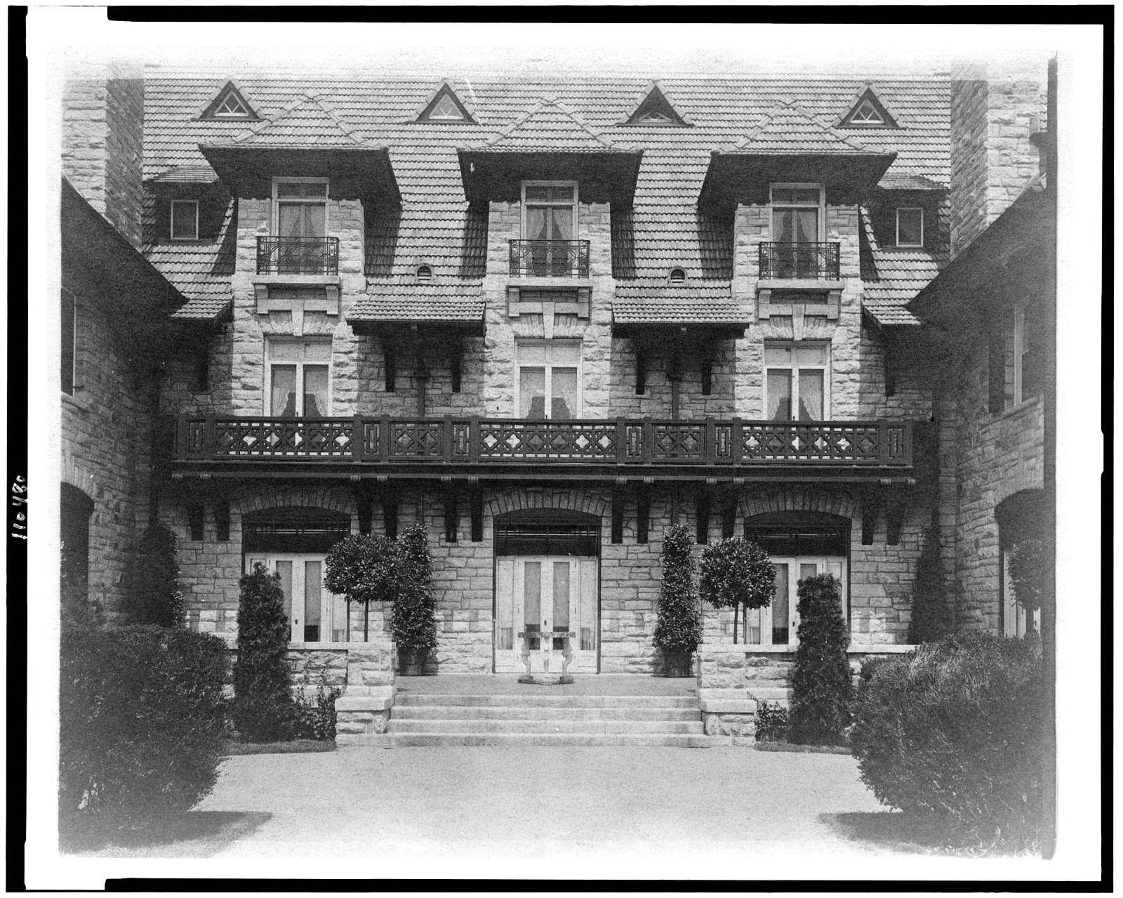 [Center part of facade of home of Edmund Cogswell Converse, Greenwich, Connecticut]