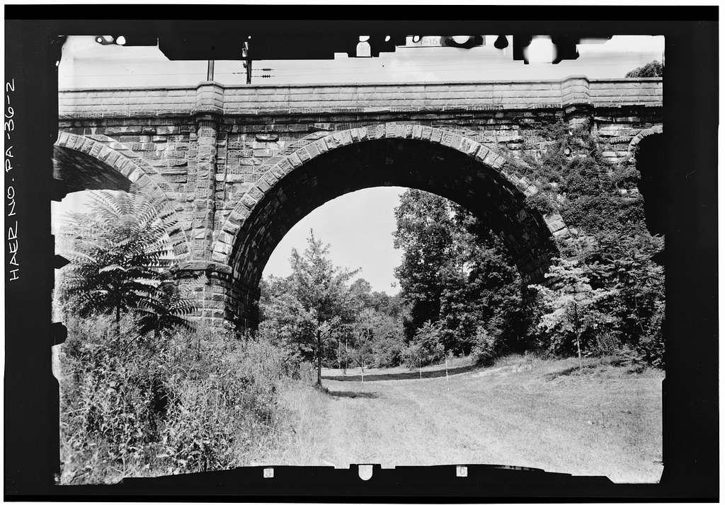 Philadelphia & Reading Railroad, Wissahickon Creek Viaduct, Spanning Wissahickon Creek, north of Ridge Avenue Bridge, Philadelphia, Philadelphia County, PA