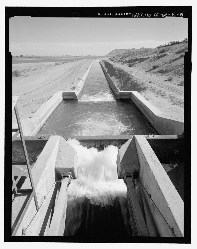 Wellton-Mohawk Irrigation System, Radial Gate Check with Drop, Wellton Canal 9.9, West of Avenue 34 East & north of County Ninth Street, Wellton, Yuma County, AZ