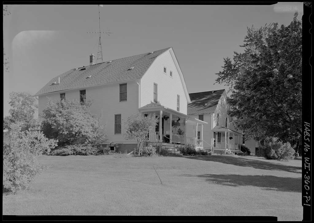 National Home for Disabled Volunteer Soldiers, Northwestern Branch, Quarters, 5000 West National Avenue, Milwaukee, Milwaukee County, WI
