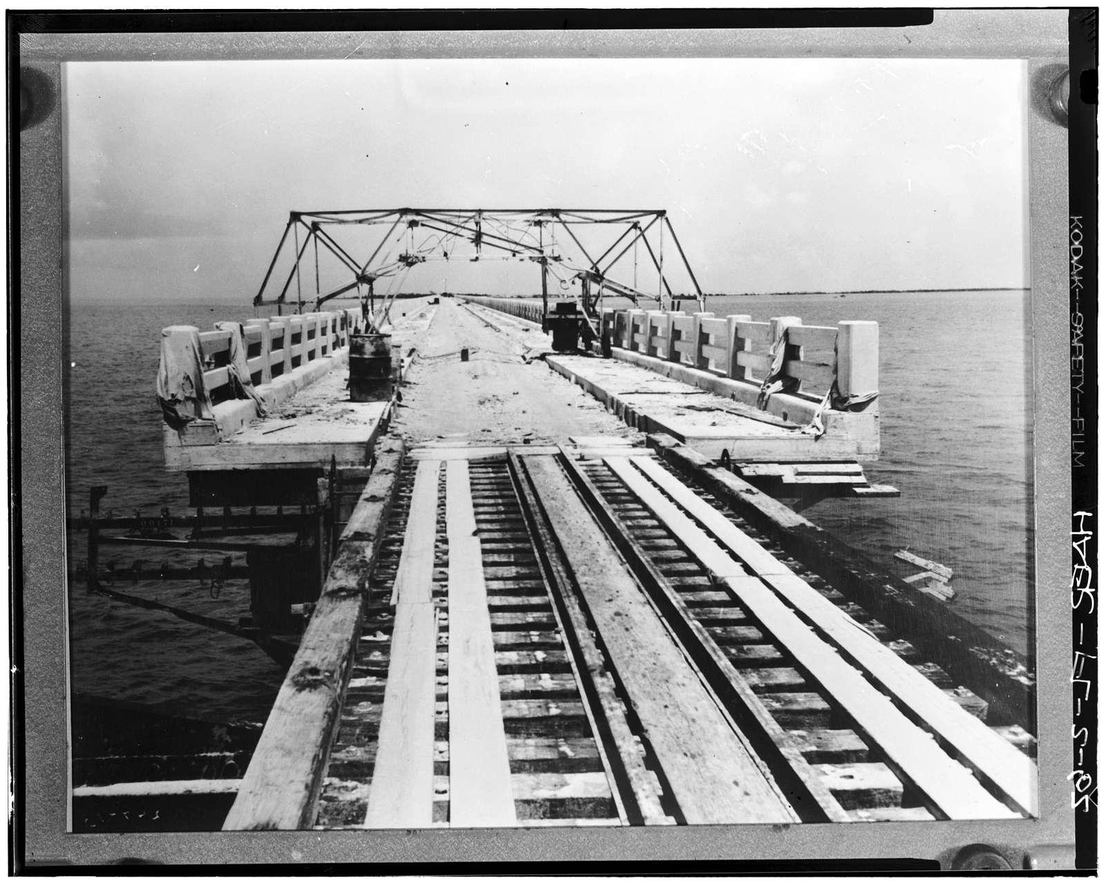 Seven Mile Bridge, Linking Florida Keys, Marathon, Monroe County, FL