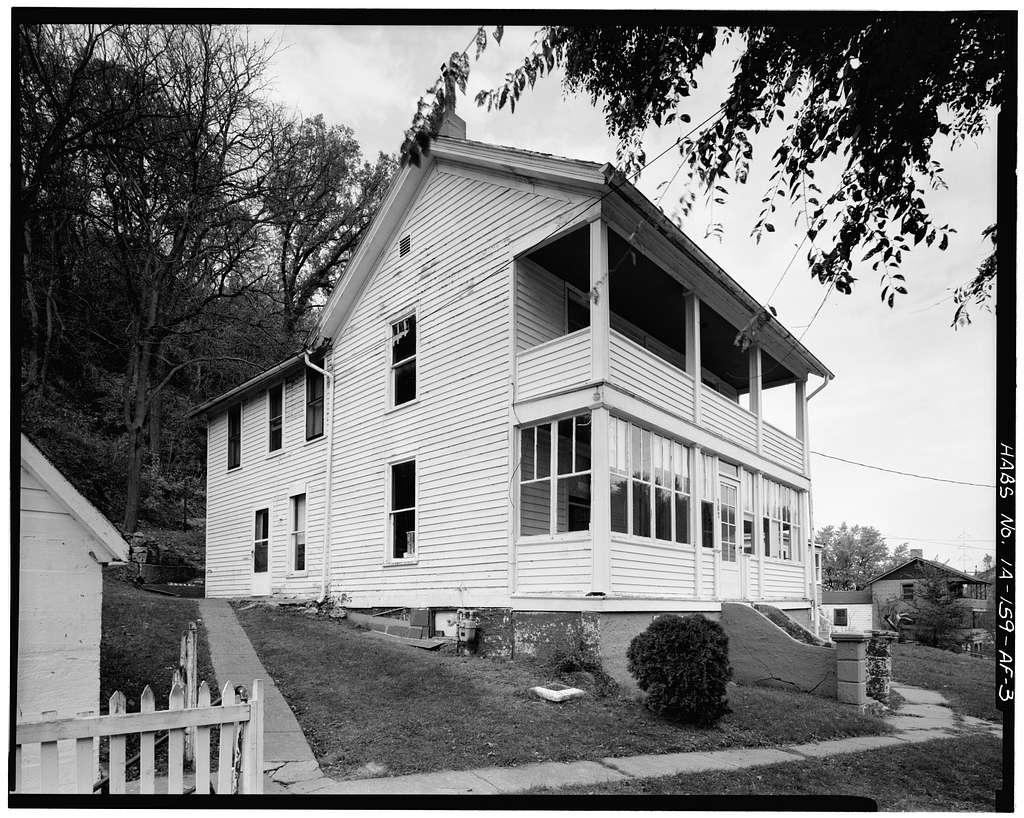 Workingmen's Houses, Martin Dumphy House, 387 Southern Avenue, Dubuque, Dubuque County, IA