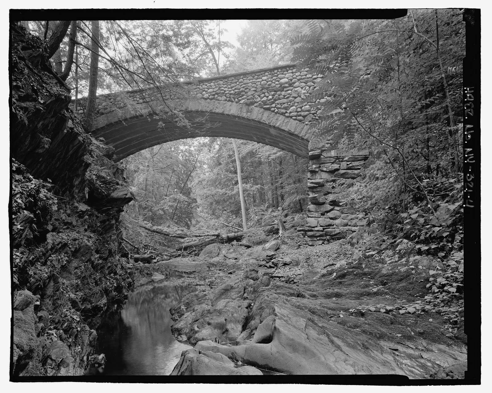 Rustic Bridge, NPS Route No. 13 spanning Crum Elbow Creek, Hyde Park, Dutchess County, NY