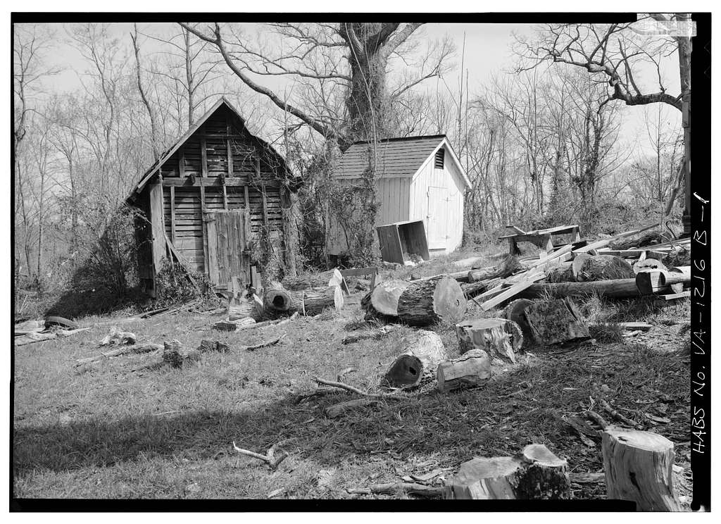 Belle Monte, Smokehouse & Corn Crib, Route 22 vicinity, Gordonsville, Orange County, VA