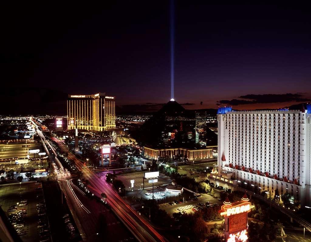 Nighttime aerial view of the Las Vegas Strip