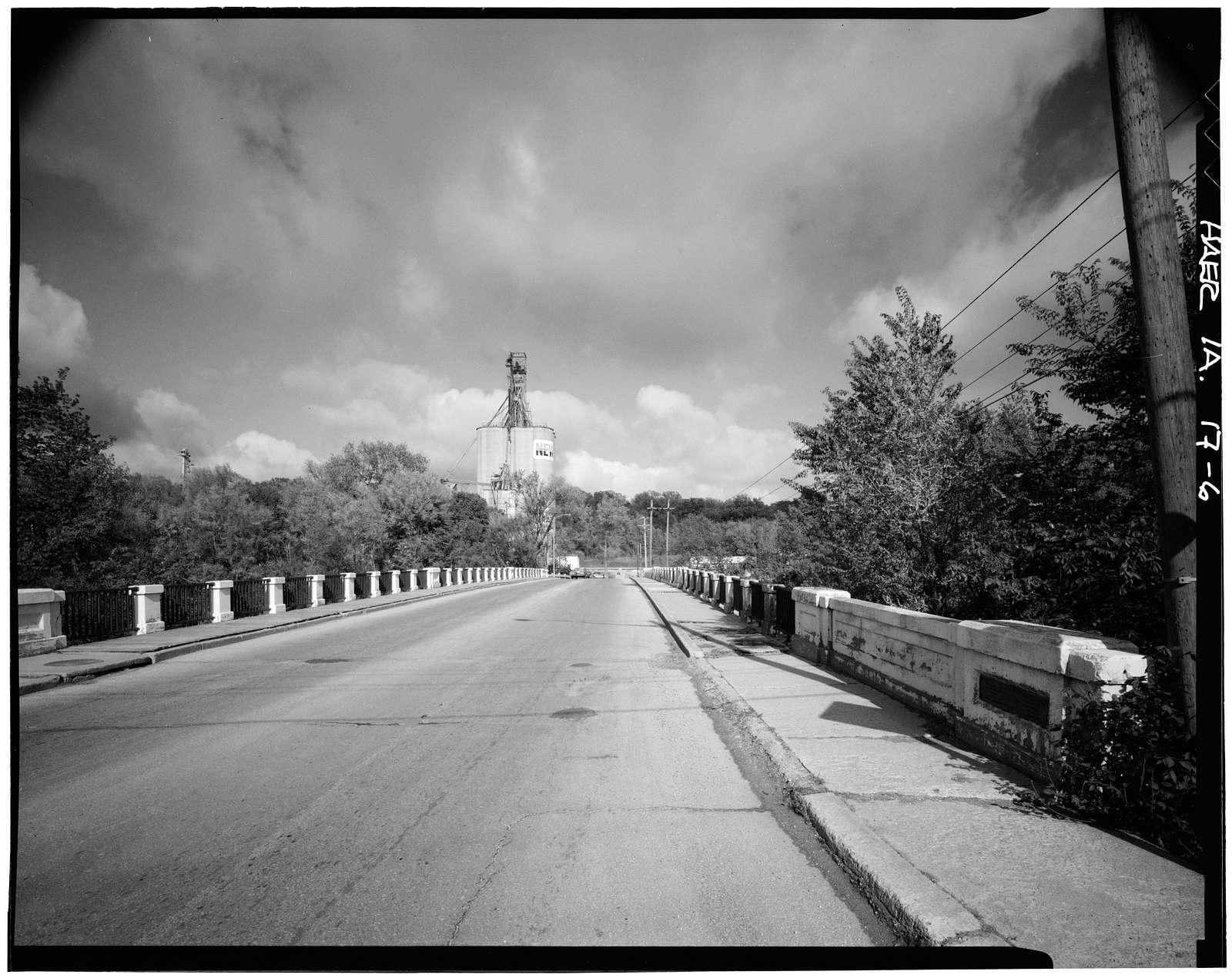 Open Spandrel Bridge, Hawkeye Avenue, spanning Des Moines River, Fort Dodge, Webster County, IA