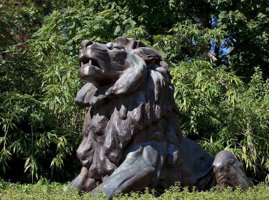 Lion statue at the front gate of Smithsonian National Zoological Park, Connecticut Ave., NW, Washington, D.C.
