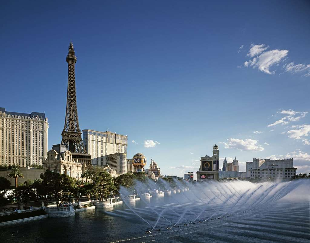 Dancing Fountains Show At The Bellagio Hotel And Resort Las Vegas Nevada Picryl Public Domain Image