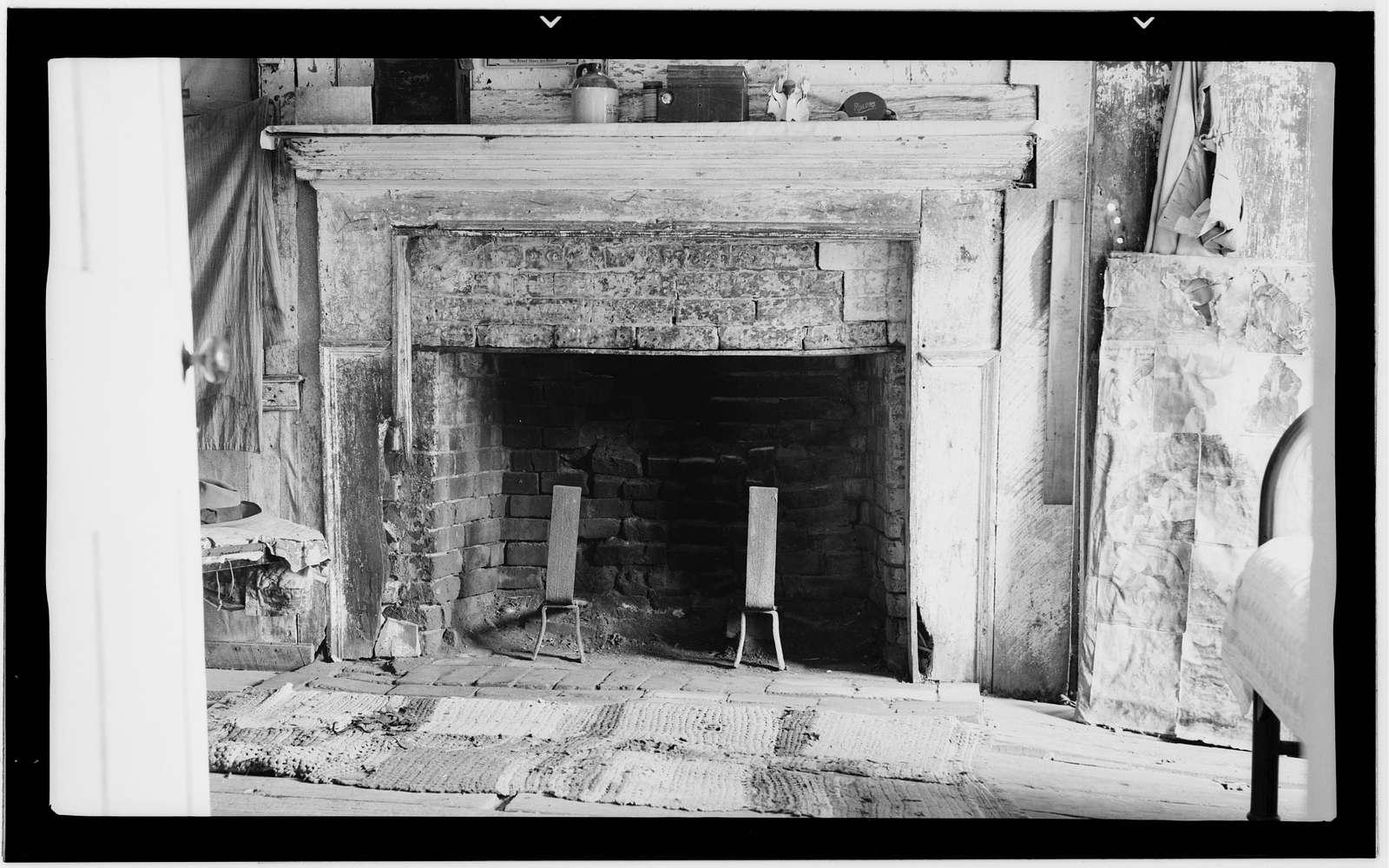 Mound Plantation, Route 4, Box 166, Cannonsburg, Jefferson County, MS