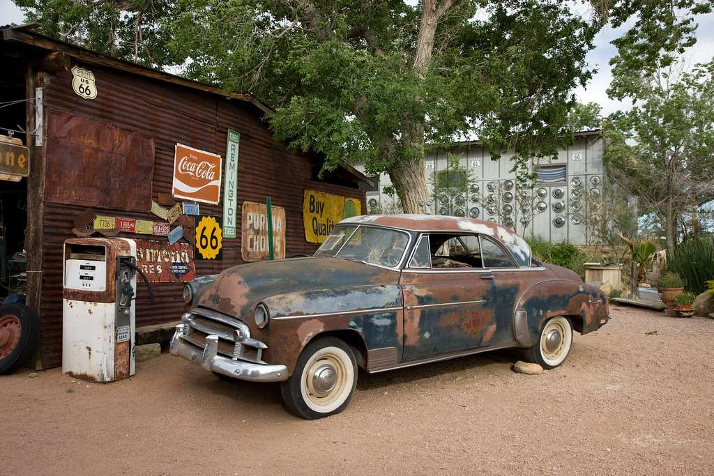 Old car and gas pump, Hackberry General Store, Route 66, Hackberry, Arizona