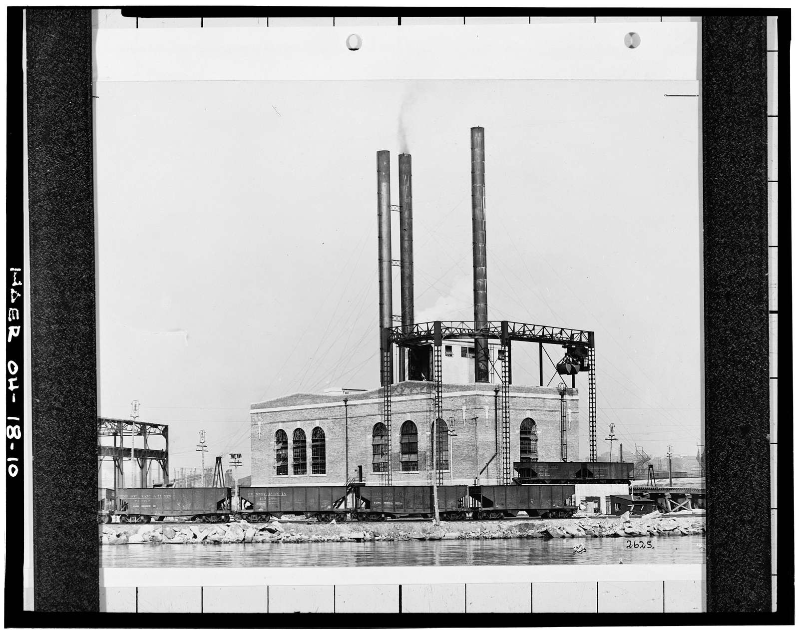 Pennsylvania Railway Ore Dock, Lake Erie at Whiskey Island, approximately 1.5 miles west of Public Square, Cleveland, Cuyahoga County, OH