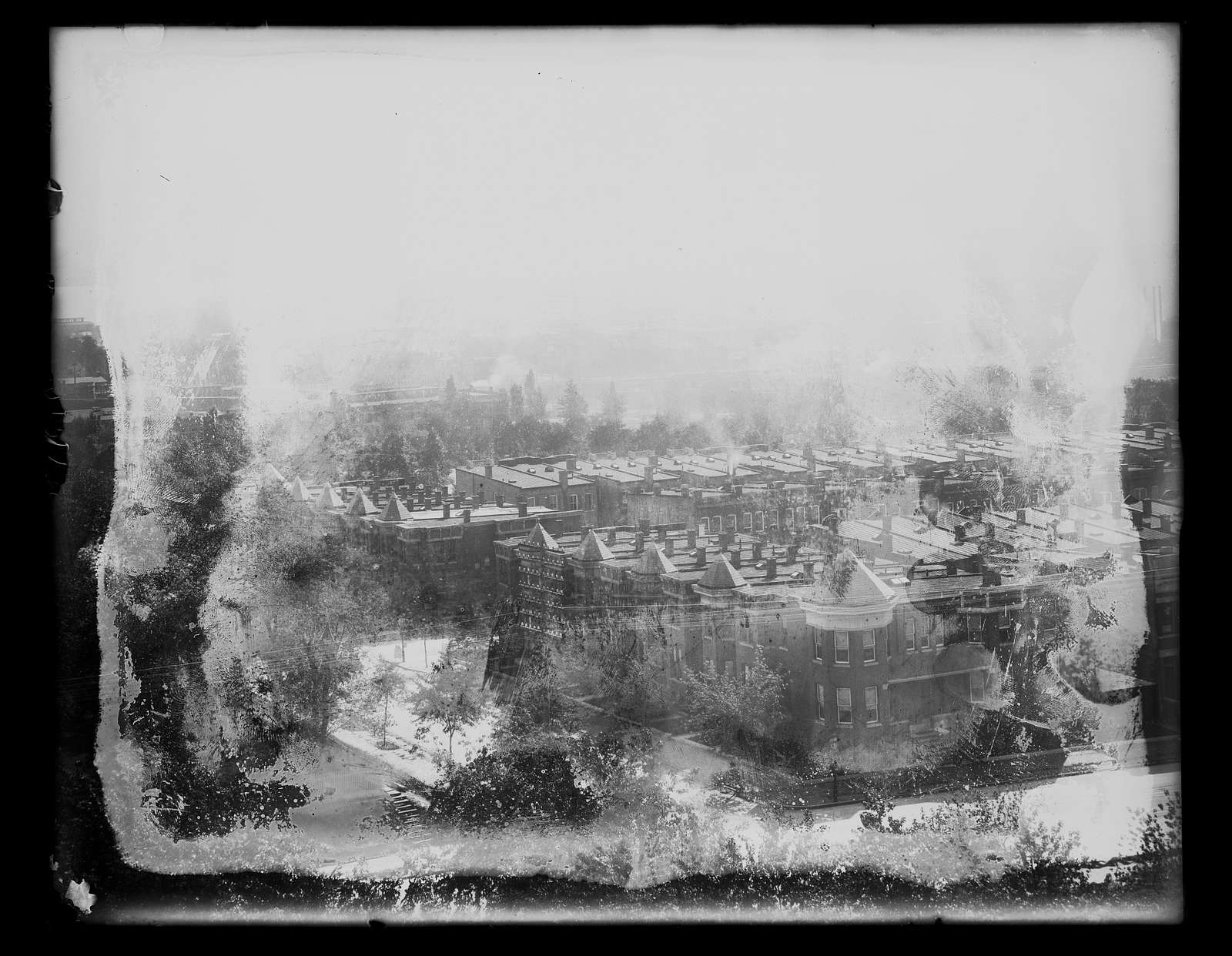 [Aerial view of Washington, D.C., looking south, southwest, from old Providence Hospital, showing E Street, Duddington Place, F Street, S.E., between 1st and 2nd Streets]