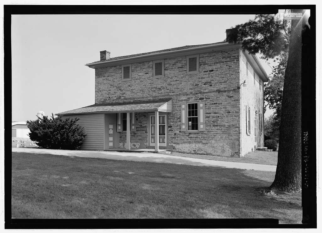 Sadsbury Friends Meeting House, Simmontown Road, .25 mile east of Route 41 intersection, Christiana, Lancaster County, PA