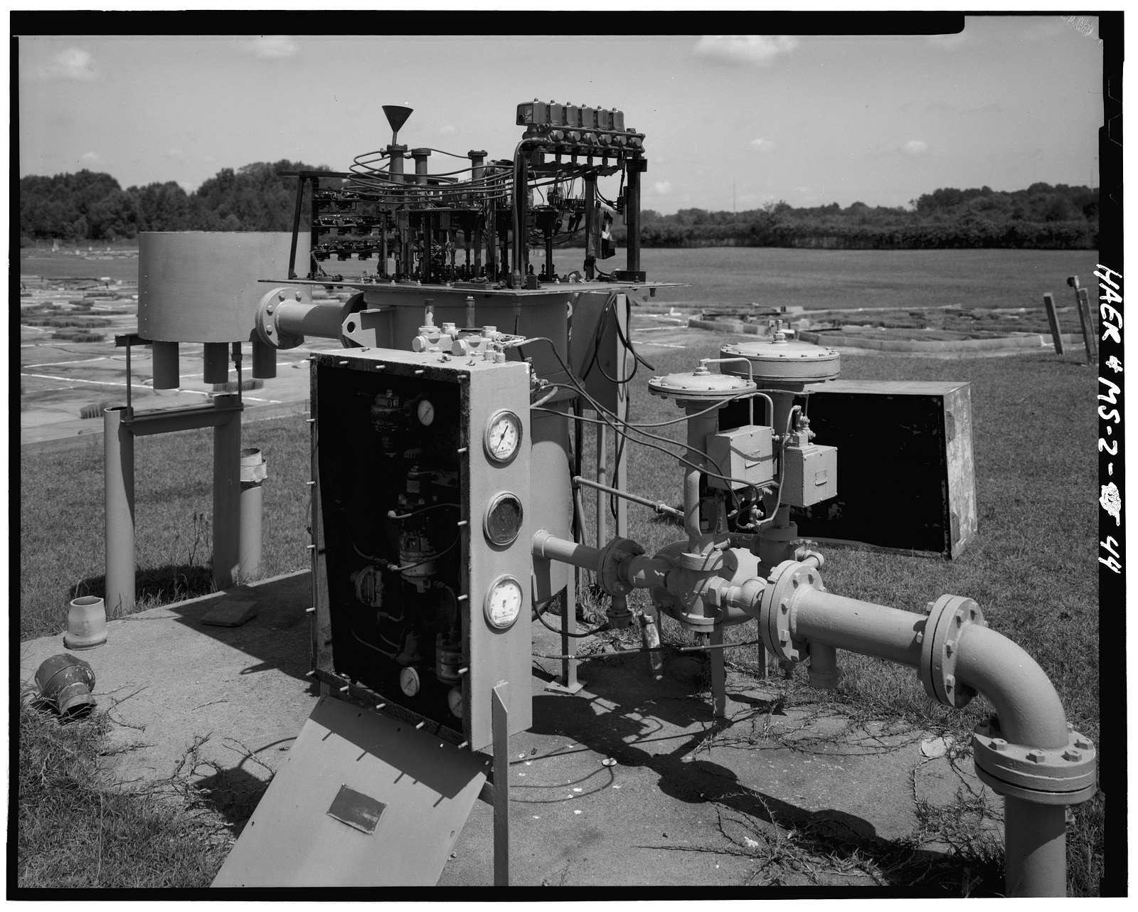 Waterways Experiment Station, Hydraulics Laboratory, Halls Ferry Road, 2 miles south of I-20, Vicksburg, Warren County, MS
