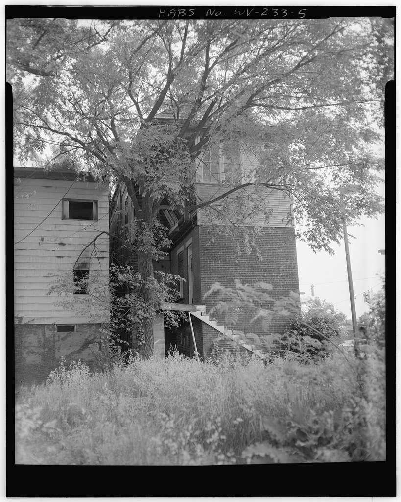 1302 Third Avenue (House), 1302 Third Avenue, Huntington, Cabell County, WV