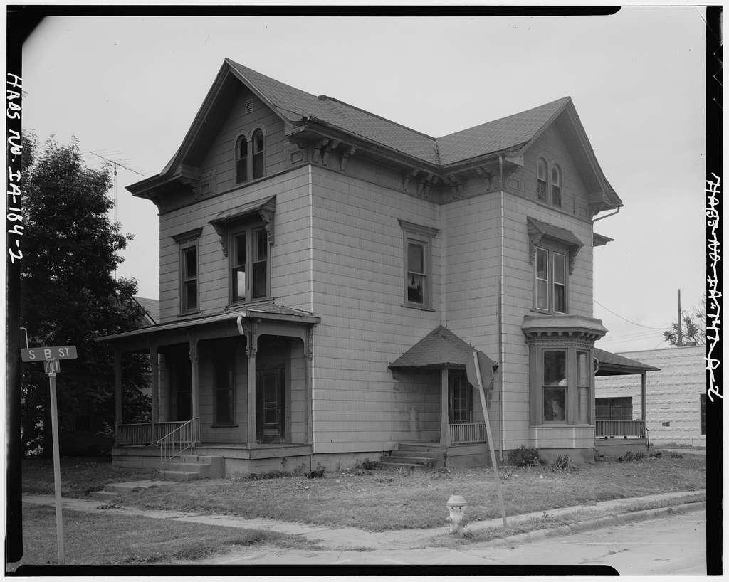 John Waggoner House, 301 First Avenue West, Oskaloosa, Mahaska County, IA