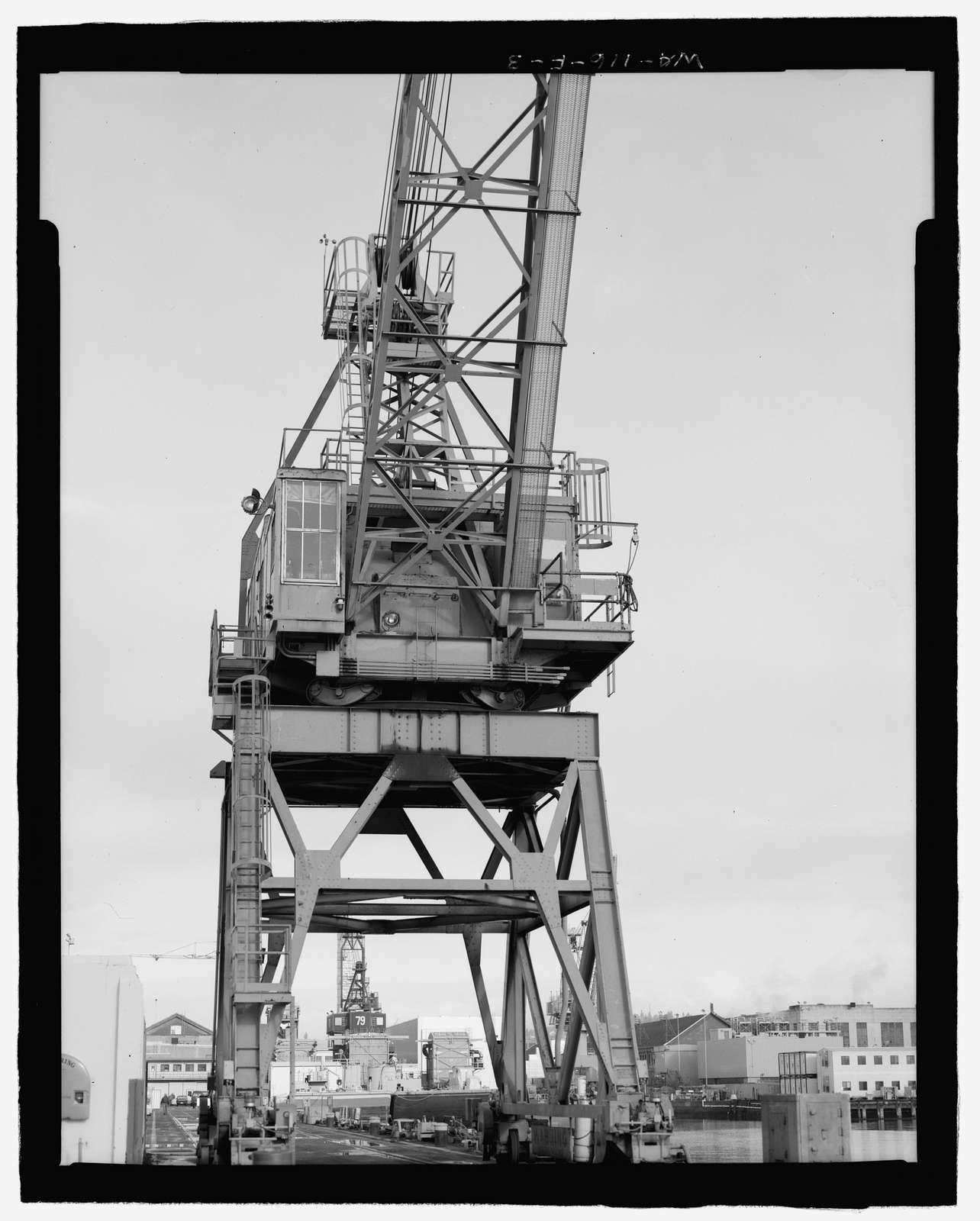 Puget Sound Naval Shipyard, Portal Gantry Crane No. 42, Pier 5, Farragut Avenue, Bremerton, Kitsap County, WA