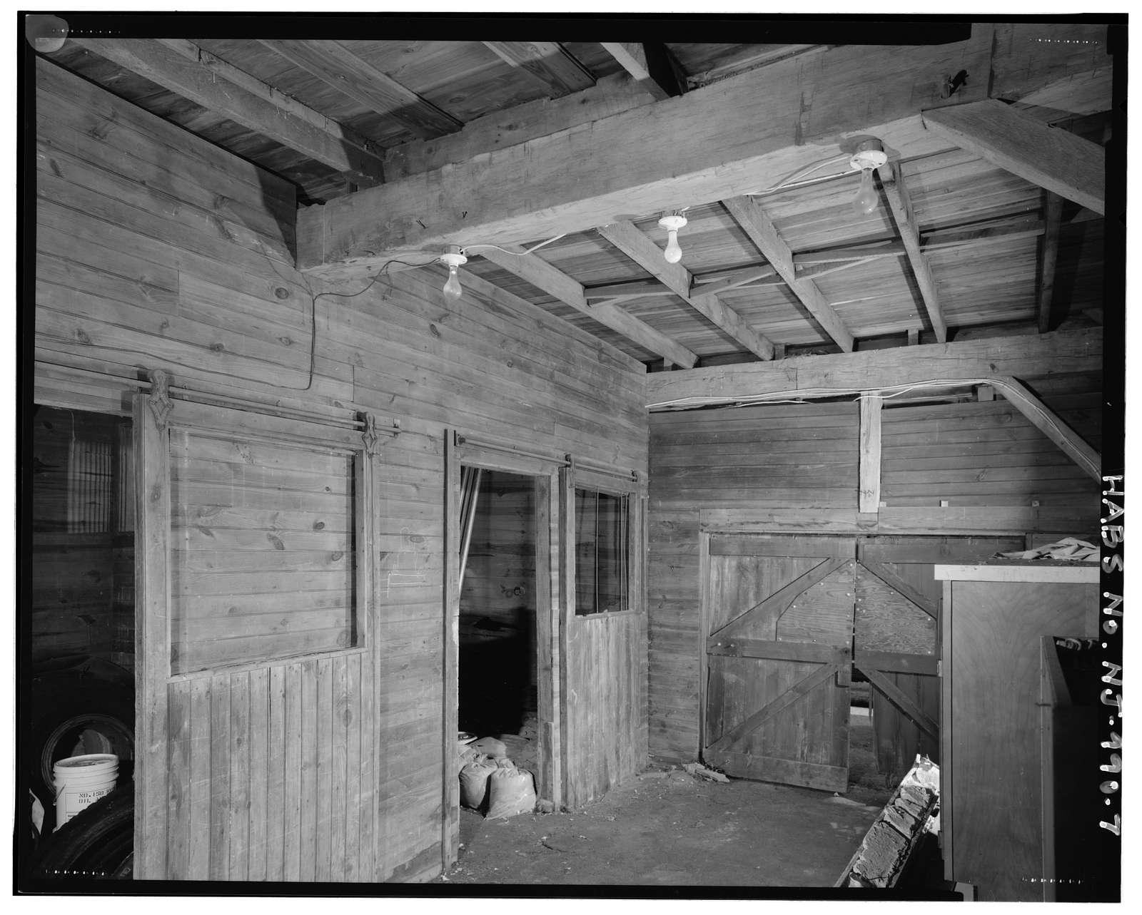 Ackerman-Dewsnap (Bishop) House, Barn, 176 East Saddle River Road, Saddle River, Bergen County, NJ