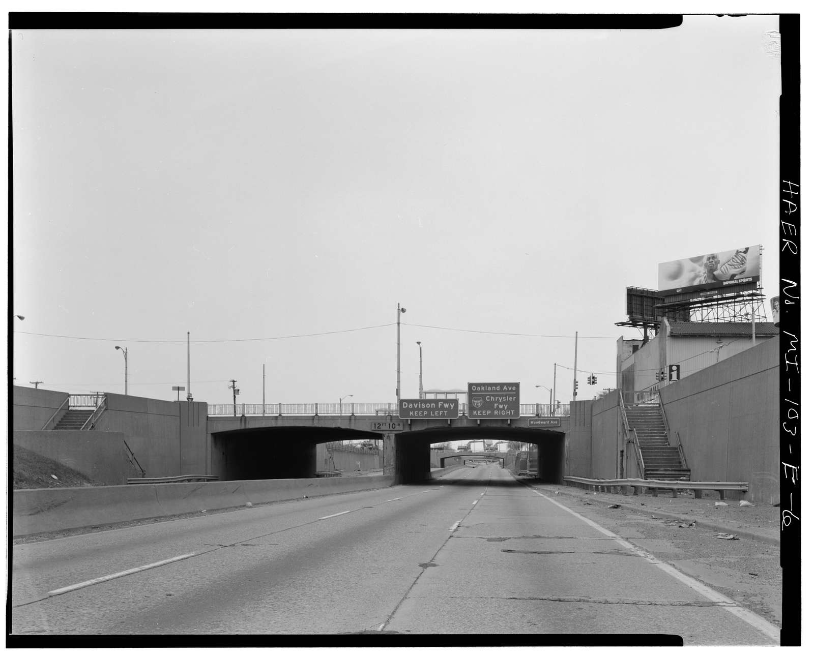 Davison Freeway, Woodward Avenue Bridge, Spanning Davison Freeway, Highland Park, Wayne County, MI