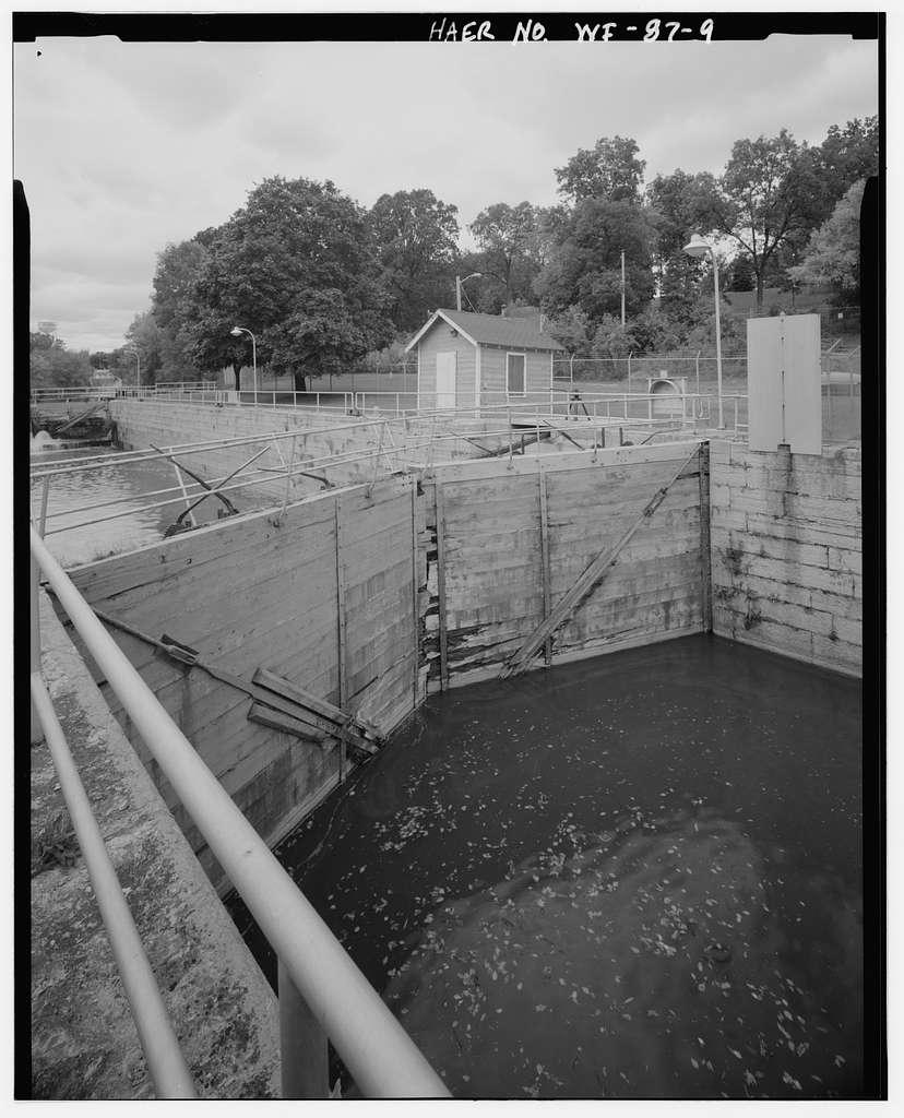 Kaukauna Lock & Dam, Fox River at Canal Street, Kaukauna, Outagamie County, WI